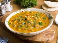 Нахутена яхния с картофи, моркови, чесън и лук